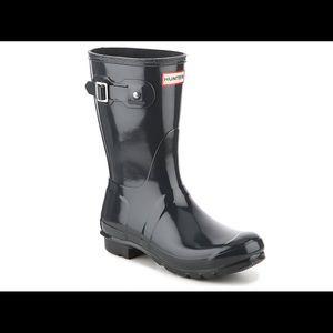 Hunter black gloss boots